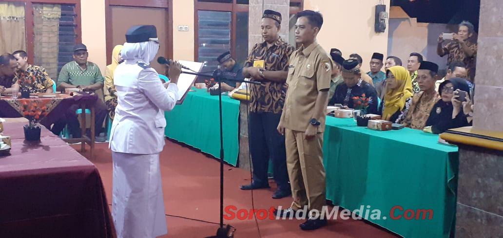 Komsos Danramil 05/Gedeg Hadiri Pelantikan Perangkat Desa