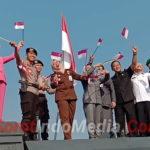 Dandim 0815  Mojokerto ,Turut Semarakkan Kirab Bendera Merah Putih Sepanjang 740 Meter