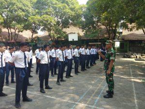 Koramil 13/Kutorejo Bekali Wasbang & Kedisiplinan Ratusan Siswa SMPN