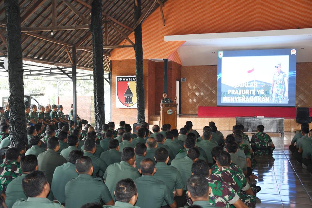 Prajurit Korem 082/CPYJ Mojokerto Harus Taat Pada Jam Komandan