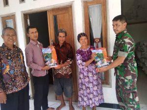 Koramil 12/Ngoro Kawal Distribusi Benih Jagung Bagi Petani Kutogirang