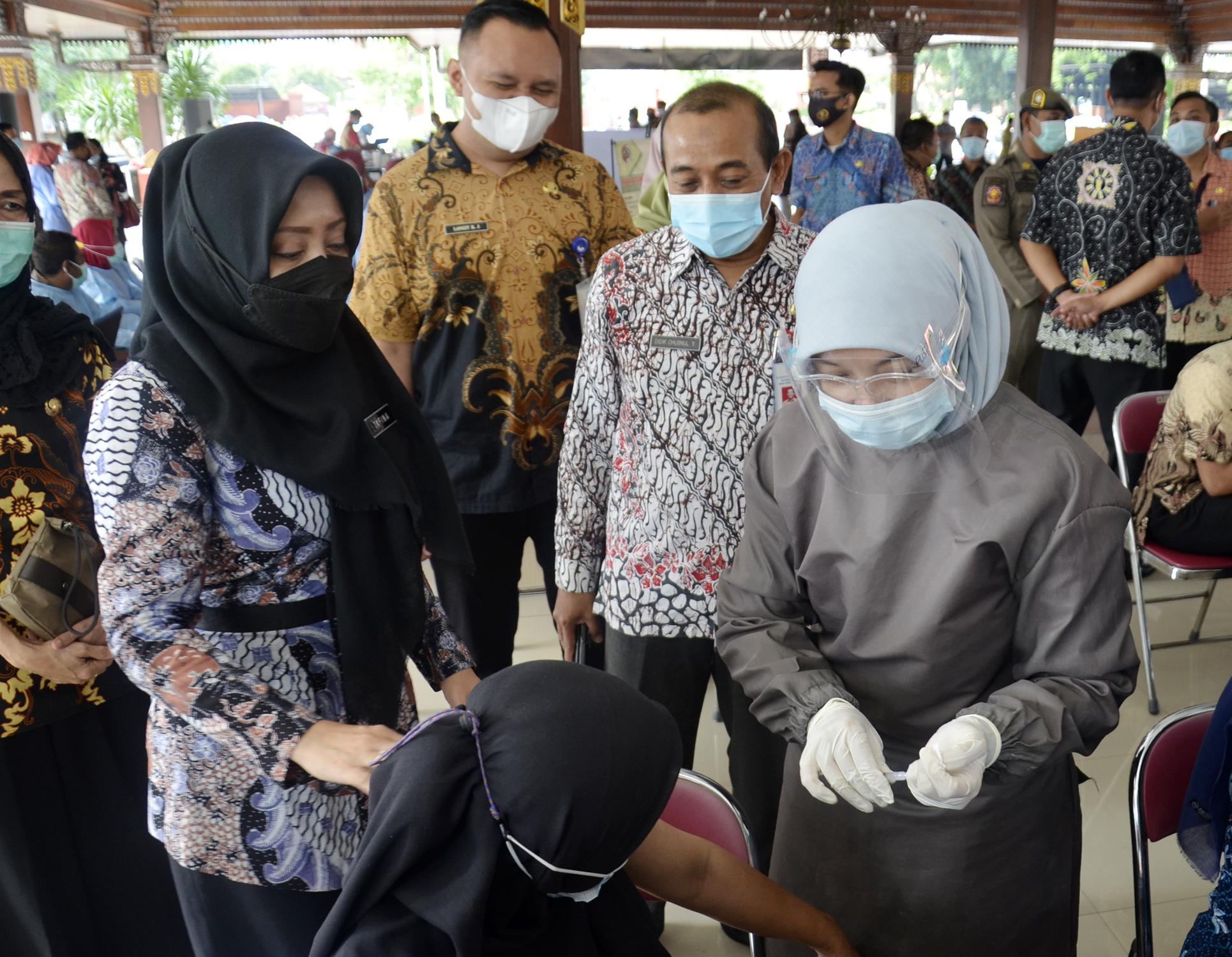 900 Orang ASN Lingkup Pemkab Divaksin