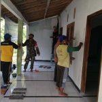 Perindah Mushola Darut Tauhid, TNI-Polri Singgahan Tuban Bersama Warga Bersinergi Dalam Aksi Sosialnya Melalui Karya Bakti TNI