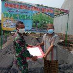 Korem 082/CPYJ Kembali Salurkan Bantuan Keramik Untuk TPQ