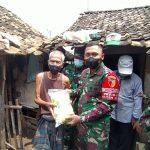 Dandim 0815/Mojokerto Serahkan Bansos Bagi Masyarakat Dusun Seket