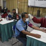 Kodim 0811 Tuban Gelontorkan Vaksinasi Bagi Pekerja PT. Semen Gersik