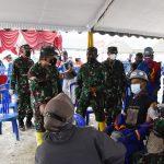 Danrem 082/CPYJ Dampingi Irdam V/Brw Tinjau Serbuan Vaksinasi di Kab. Bojonegoro